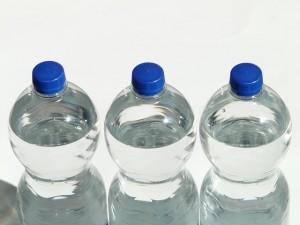 Drei Wasserflaschen